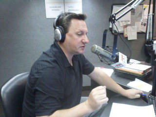 Andy Baskin hosts radio sports talk show on 92.3 The Fan_20110829120303_JPG