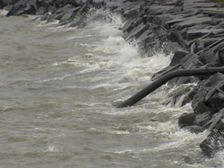 lake erie choppy_20111021155544_JPG