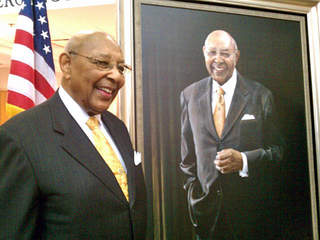 Louis Stokes portrait unveiled_20111111120119_JPG