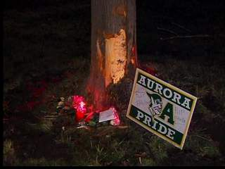 Aurora teen dies in crash