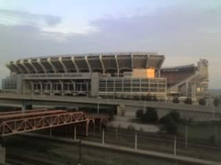 browns_stadium2_20100202124448_320_240_20111205131247_JPG