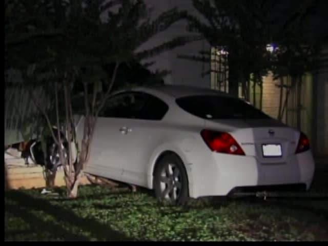 Man Crashes Car Into Wall San Antonio