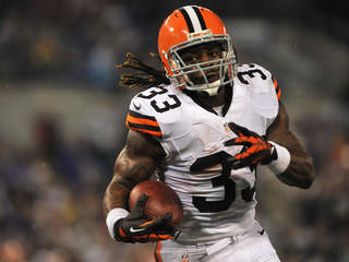 Trent Richardson Browns vs Ravens_20120927230152_JPG