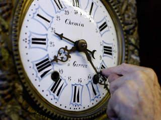 clock, daylight saving time