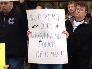 Community rallies around Cleveland Police Department