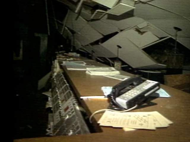 Roof collapses at Stardust Lanes in Brook Park 1993
