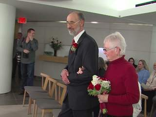 Heart patient marries at the Cleveland Clinic after outliving a death sentence from his doctors
