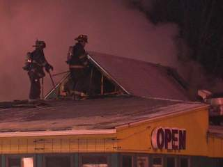 Simon's Seafood & Grille catches fire