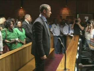 Noon: Pistorius in court