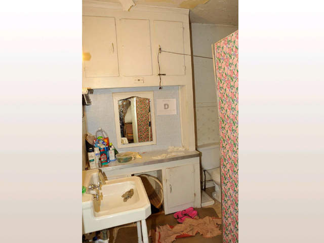 Photo Gallery Inside Ariel Castro S Home On Seymour