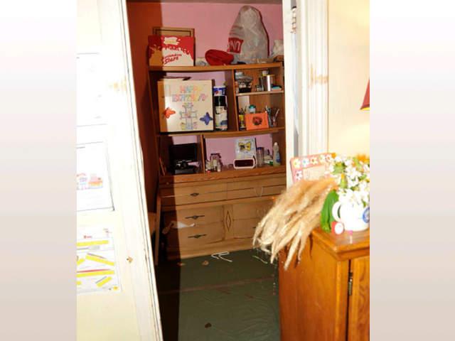 Photo Gallery Inside Ariel Castro S Home On Seymour