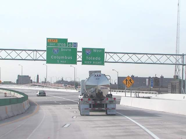 Cleveland leaders respond to I-90 eastbound closure, additional officers to help with traffic ...