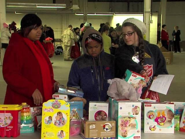 programs to help needy families at christmas