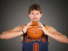 Cavs' Kevin Love re-injures left shoulder