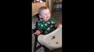 Baby's hilarious reaction to 1st taste of bacon