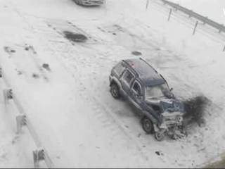 1 dead after 60 cars pile up on I-94 in Mich.
