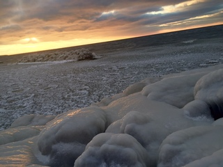 Man still missing after fall into icy Lake Erie