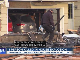1 dead in explosion at Newcomerstown home