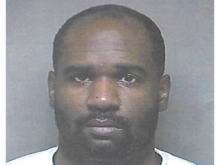 U.S. Marshals search for Lakewood sex offender