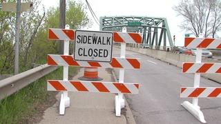 Lorain residents risk lives, cross closed bridge