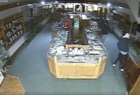 VIDEO | Burglars leave jewelry store in ruins