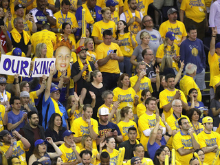 Warriors fan injured, says Cavs fan pushed him