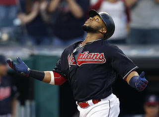 Indians lose to White Sox in ninth inning