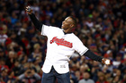 Indians give tix to fan who gave seat to Lofton