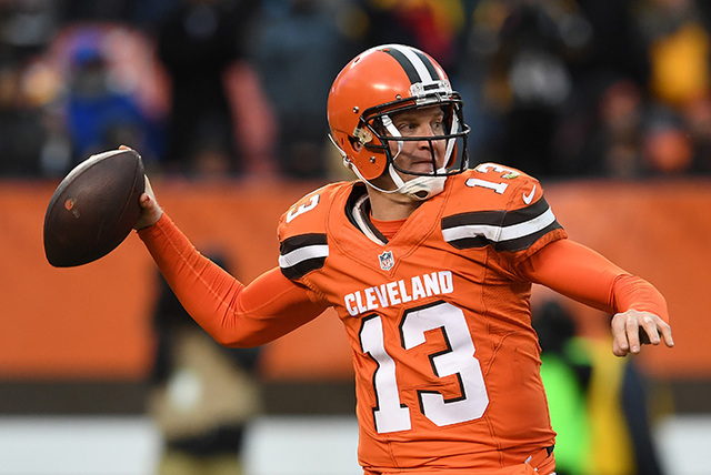 Browns' Kessler out with concussion, McCown back as starter