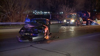 Police search for driver who hit tow truck