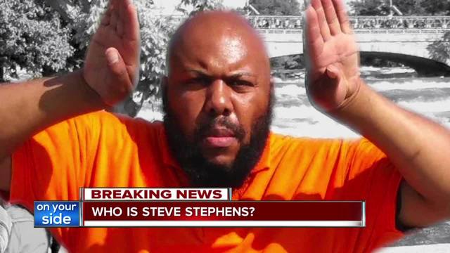 Who is the McDonald's employee credited with stalling Steve Stephens?