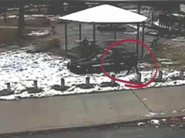 Recordings detail officers' version of Tamir Rice shooting, 'pulling the gun out'