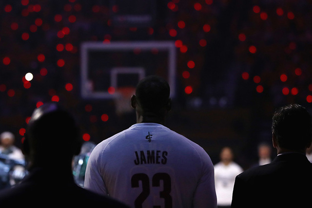 LeBron James' Los Angeles home vandalized with slur — Sports Briefly