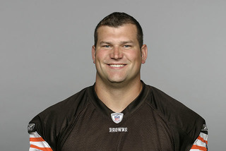Joe Thomas to appear on Celebrity Family Feud