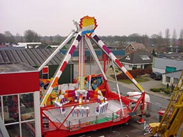 Fire Ball ride had past structural fatigue