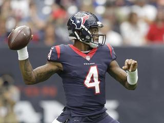 Watson tosses 3 TDs as Texans beat Browns 33-17