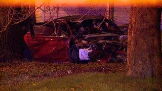 6 hurt when stolen car crashes in Cleveland