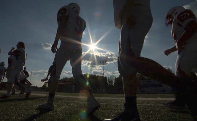 Football player with prosthetic leg defies odds