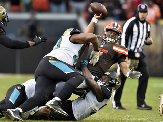 Jags ride defense to 19-7 win over Browns