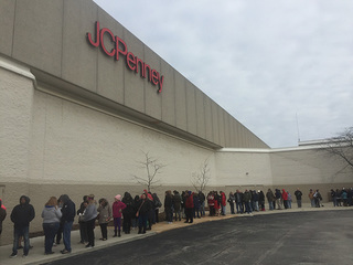 Folks in NE Ohio get jumpstart on shopping