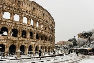 Snowy Rome looks like a fairytale right now