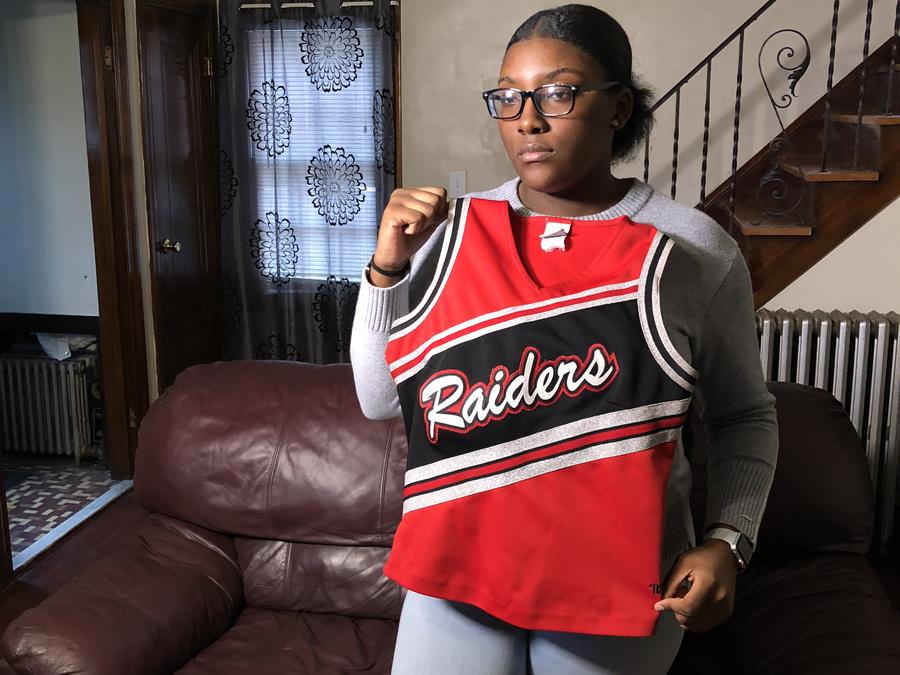 Ohio high school cheerleader claims coaches fat-shamed her over uniform - WCPO C...