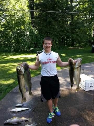 Northeast ohio fishing report lake erie walleye bite for Cleveland fishing report