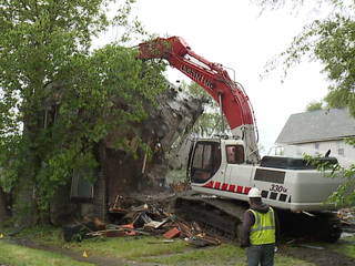 CLE residents call for faster home demolitions