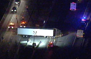 4 trucks involved in crash that closed Turnpike