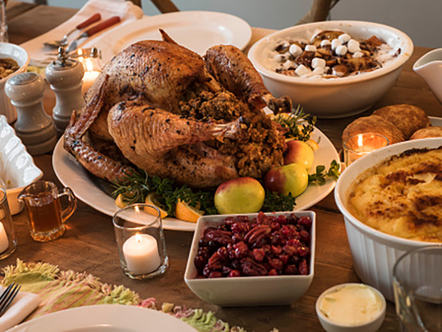 15 restaurants in northeast ohio serving up thanksgiving feasts rh news5cleveland com seafood buffet in cleveland ohio hometown buffet in cleveland ohio