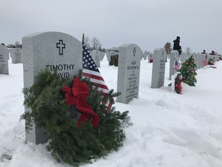 Over 14,000 wreaths laid to honor veterans