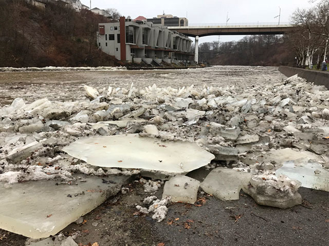 Route 7 in Kent remains closed following
