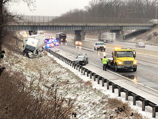 1 dead after crash with semi on Ohio Turnpike