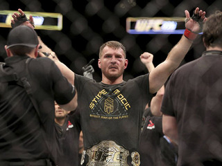 CLE native Miocic defends heavyweight title